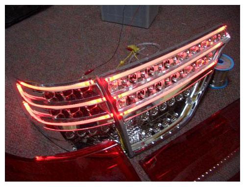 LEDとイルミファイバー(ライトストリング)のコンビネーションがとてもカッコ良いです。 ありがとうございました。 jimny様 みんカラブログ  ハイブリっつ